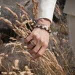 YR_hand_gras-Yvonne-Ryding-pfgSTOCKHOLM-Jewelry