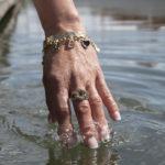 YR_hand_vatten-Yvonne-Ryding-pfgSTOCKHOLM-Jewelry
